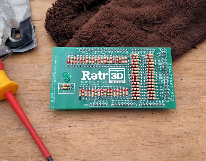 retro-3d-test-board